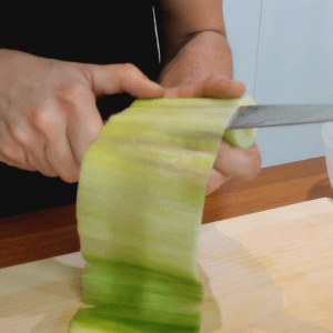 japanese-cucumber-sheet-cutting