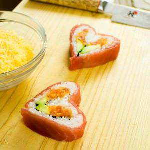 valentines-day-sushi-roll