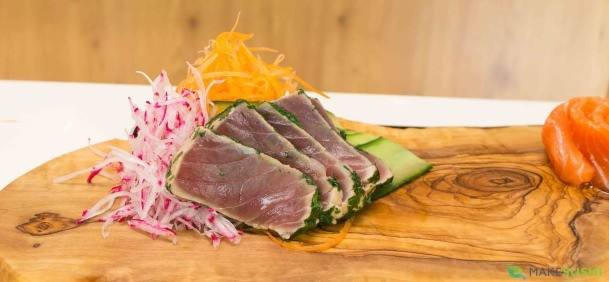 arranging tuna sashimi